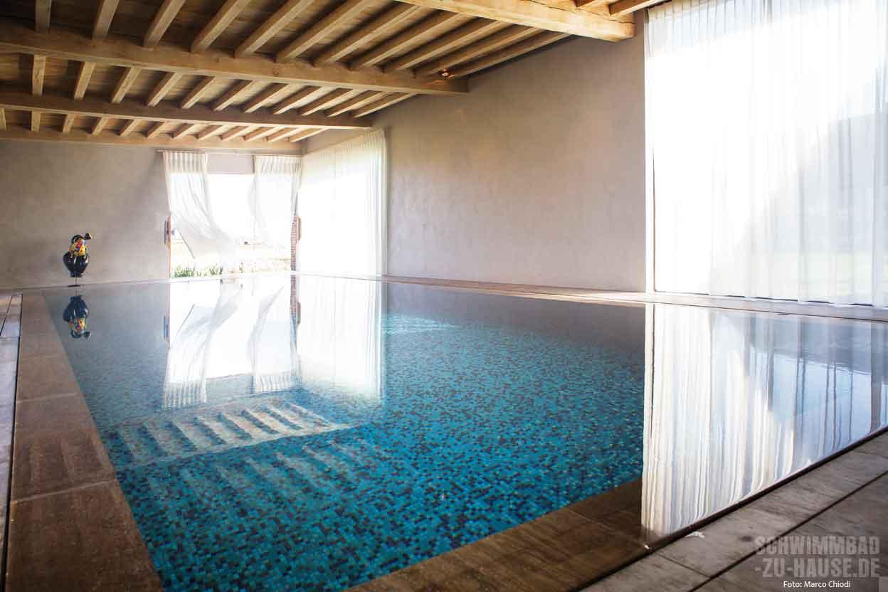 wellness wohnzimmer schwimmbad zu. Black Bedroom Furniture Sets. Home Design Ideas