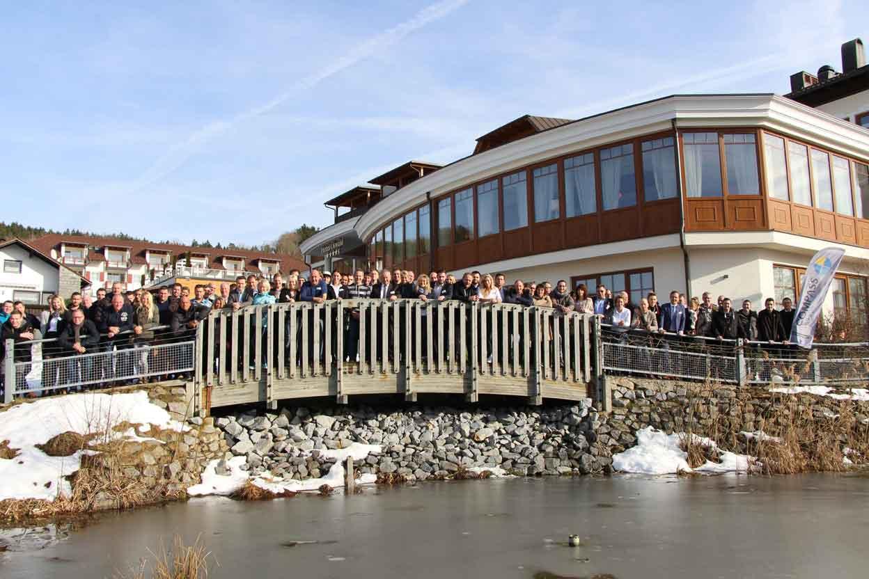 Compass pools meeting 2018 schwimmbad zu for Gartenpool neuheiten