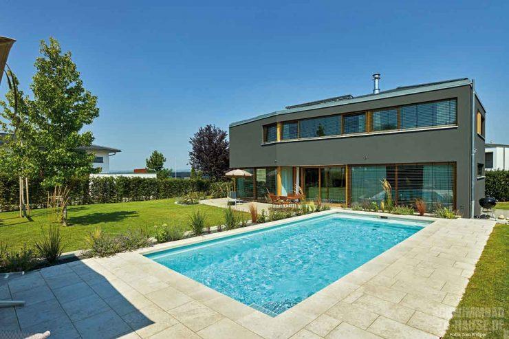 Moderner Outdoor-Pool