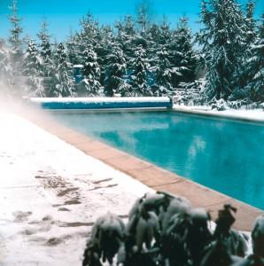 Gut durch den Winter mit Schwimmbad-Überdachung oder Beckenabdeckung