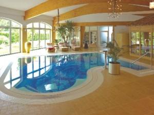 Faszination Mosaik-Schwimmbad