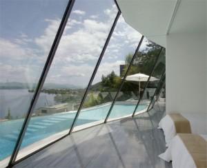 Schwimmbad auf tanzenden Terrassen