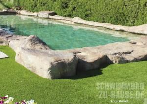 Schwimmen wie in einem natürlichen Bergsee