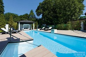 Pool mit Daybed